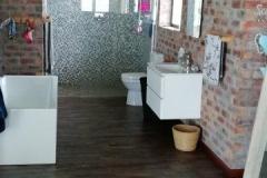 bathroom main en suite