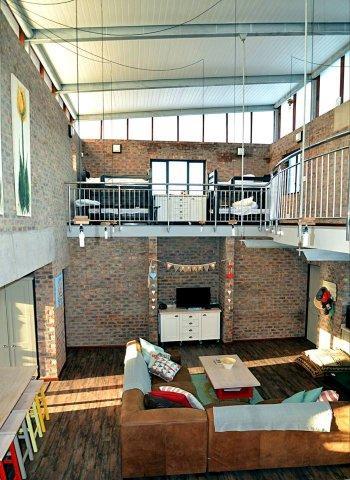 upstairs bedroom 2 bunk beds