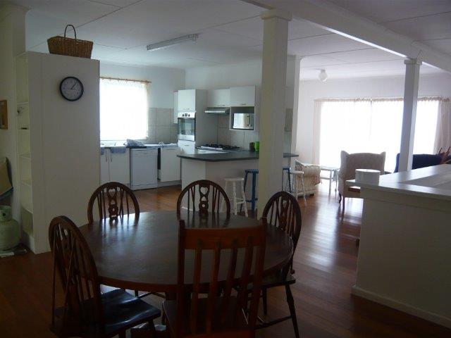dining-kitchen-lounge-view
